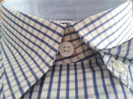 Cuello Botones Ocultos