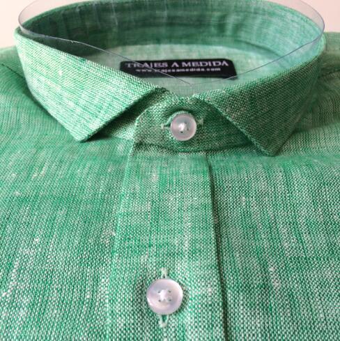 Camisa de lino plaqueta estrecha
